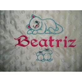 Manta Bebe Personalizada con Nombre y Motivo (Gato y Ratones) Bordados