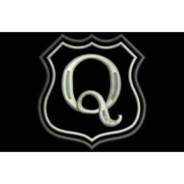 Parche Bordado Escudo Letra Q (Bordado PLATA / Fondo NEGRO)